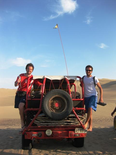 Renato e Rafael em Ica, no Peru