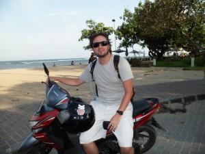 Alugar uma moto em Bali pode ser uma boa para conhecer a ilha.