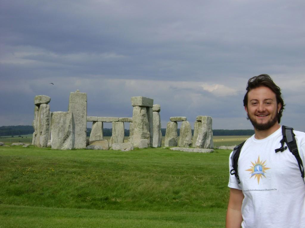 Mochileiro no Stonehenge