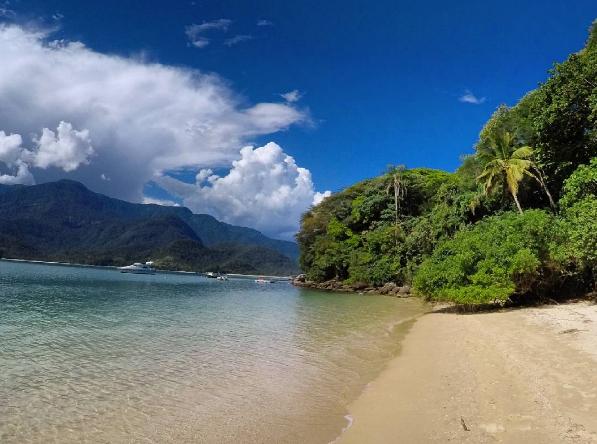 Ilha do Cedro. Linda! Instagram @mochileirodasmaravilhas