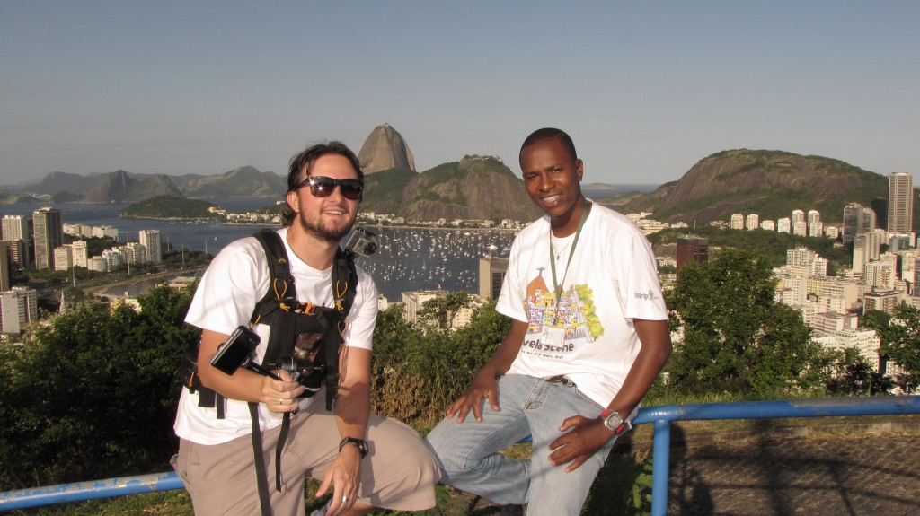 Eu e o Gilson, do Favela Scene