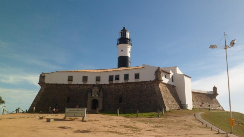 O Farol da Barra é um dos cartões postais de Salvador