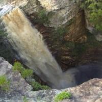Conheça a Cachoeira do Buracão, na Chapada Diamantina