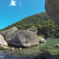 Conheça a Piscina Natural do Cachadaço em Trindade / Paraty
