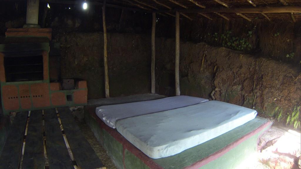 """Uma das """"grutas""""do Parque das Cachoeiras"""