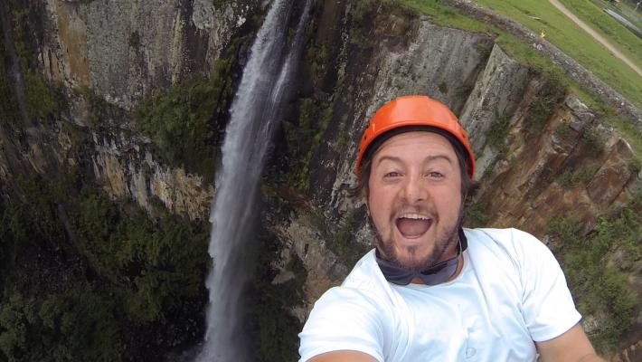 Tirolesa na Cachoeira do Avencal, em Urubici-SC