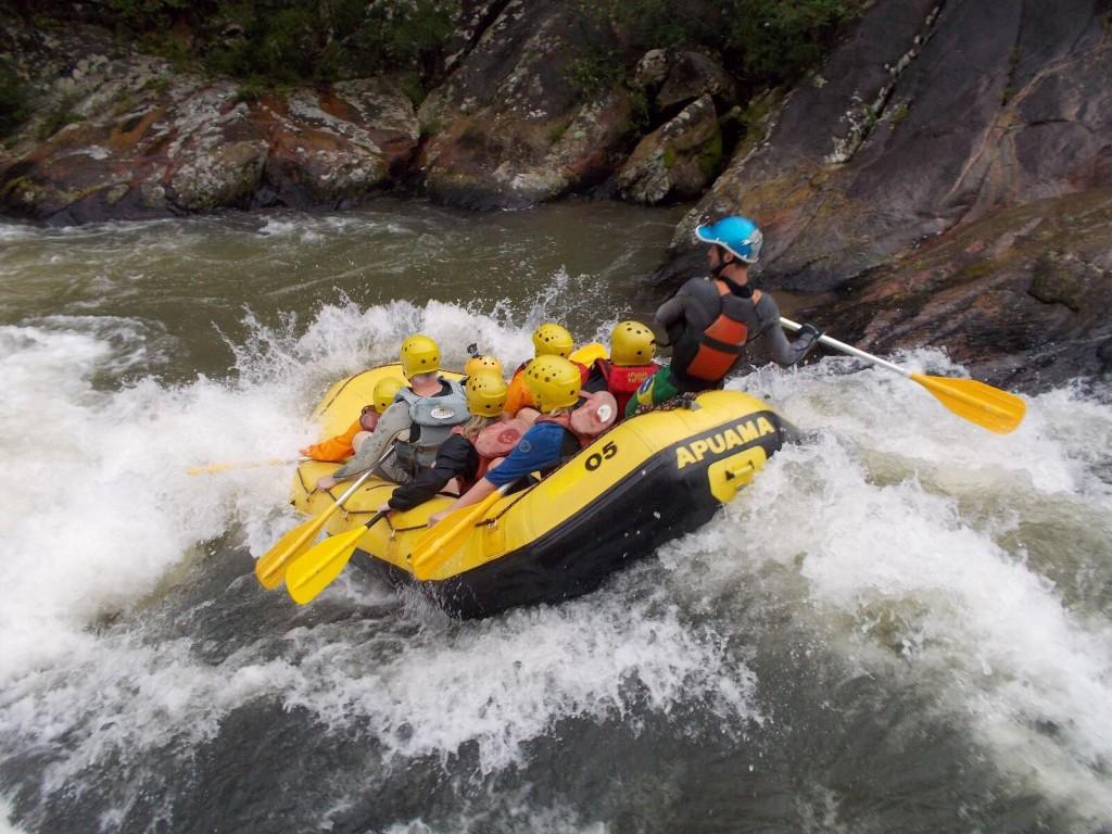 Muita adrenalina no nosso rafting