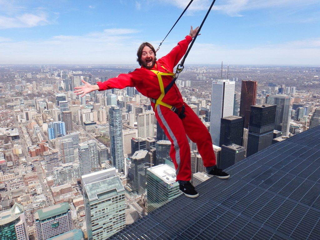 Edge Walk, no alto da CN Tower