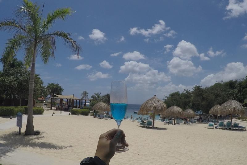 Um brinde a Curaçao (blue)