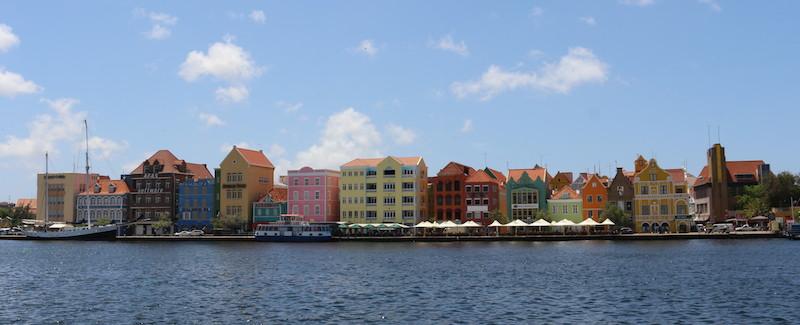 As casas coloridas de Punda, em Willemstad, capital de Curaçao