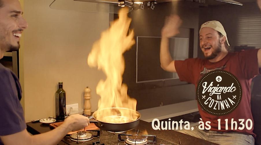 Máurio Galera cozinha pratos fáceis e saborosos da culinária mundial enquanto Daniel Thompson, o Mochileiro das Maravilhas, dá dicas especiais de turismo. Toda semana um episódio novo!