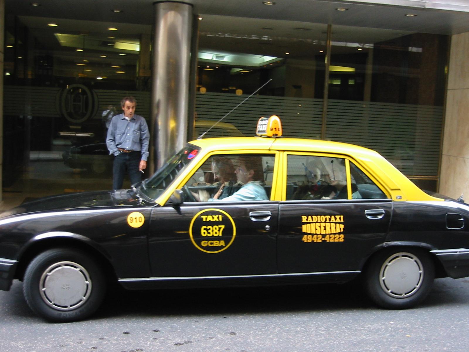 Os famosos táxis de Buenos Aires