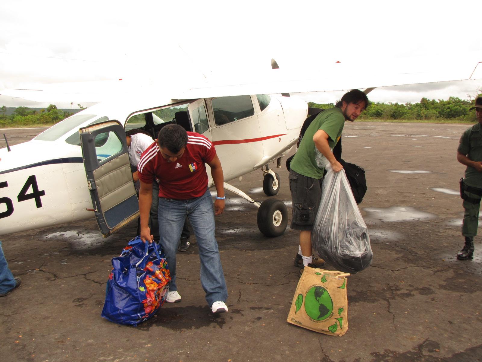 Avião da cia. Transmandu que faz o trajeto Ciudad Bolívar / Canaima