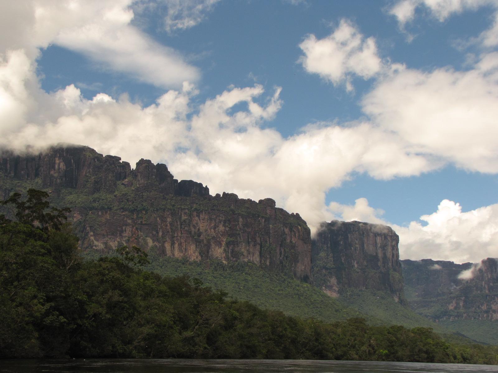 Tepuis do Paraíso das cachoeiras